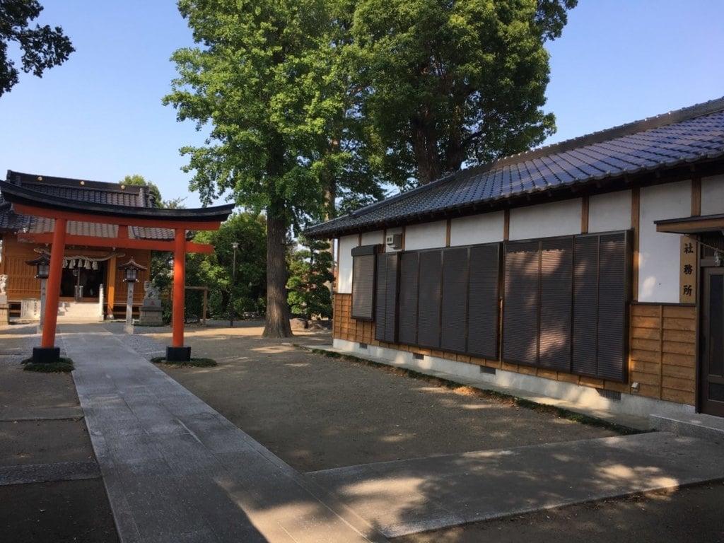 足立神社の建物その他