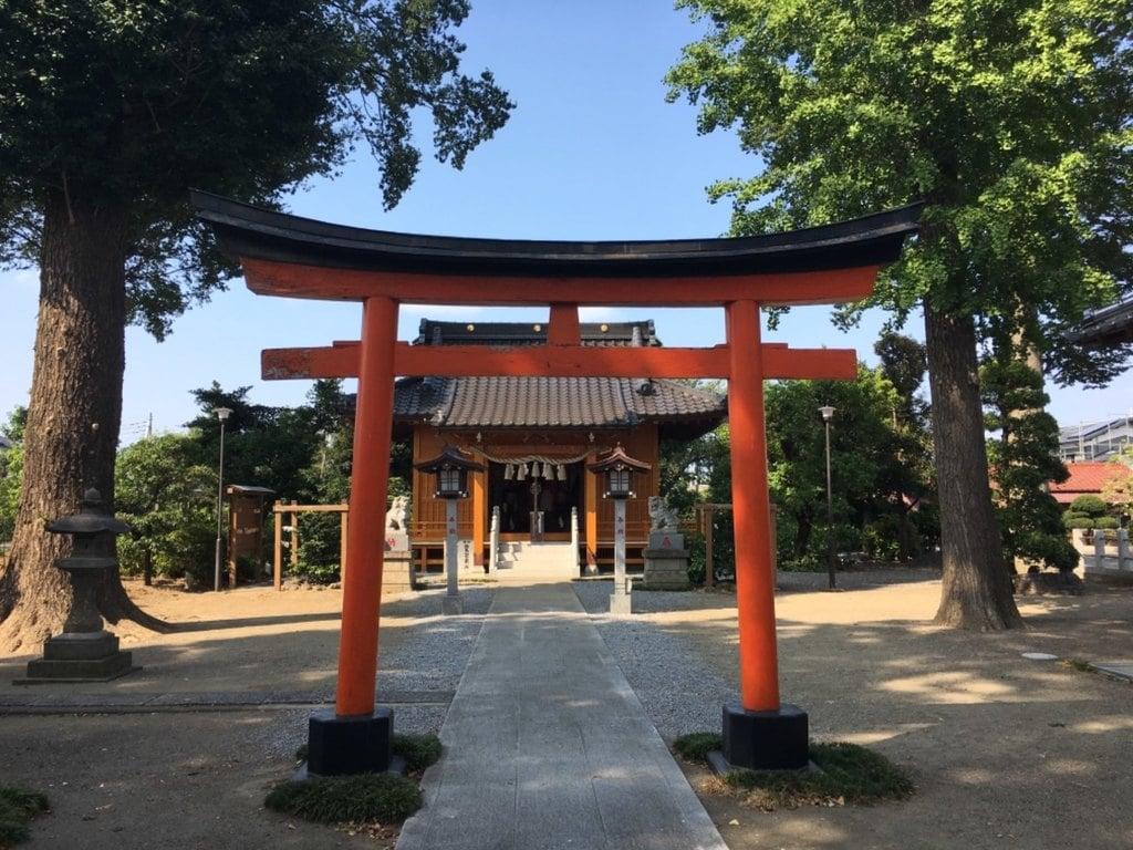 足立神社の鳥居