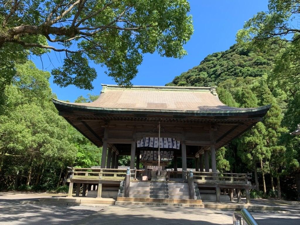 鶴嶺神社の本殿