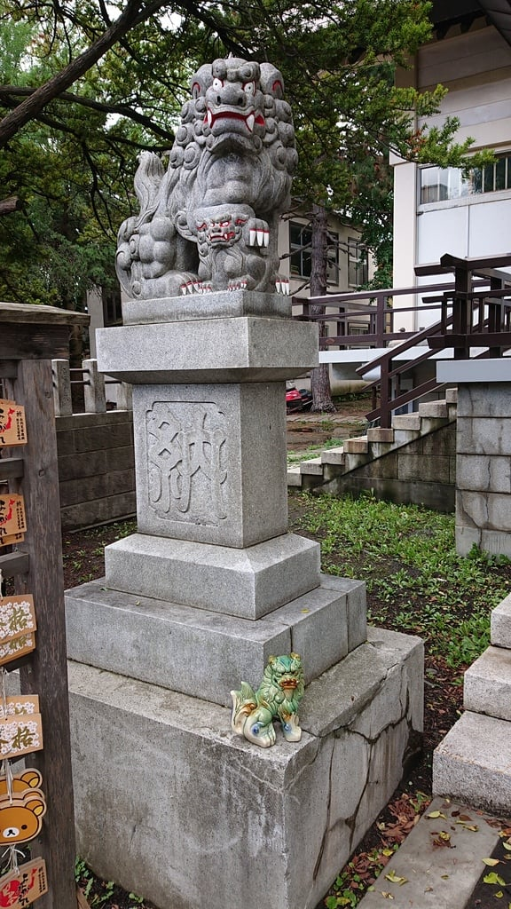 豊平神社の狛犬