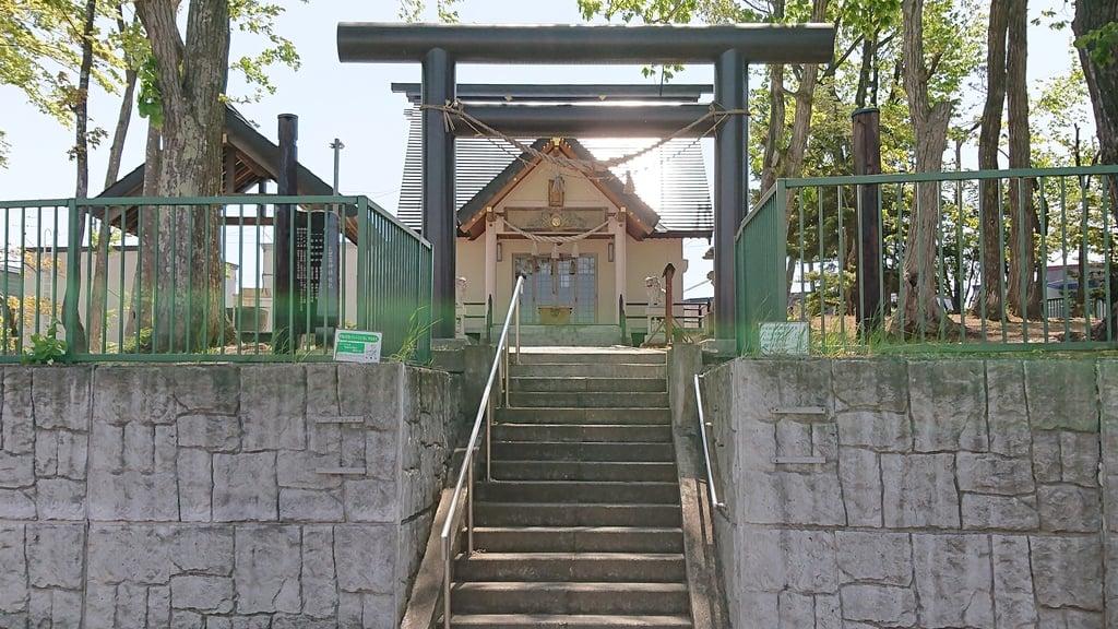 三里塚神社の鳥居