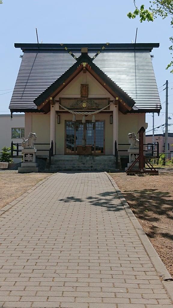 三里塚神社の本殿