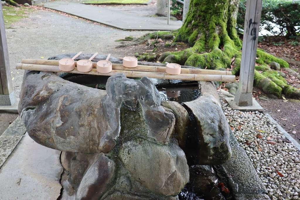 三朝神社の手水