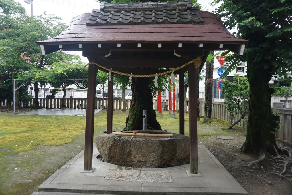 縣神社の手水