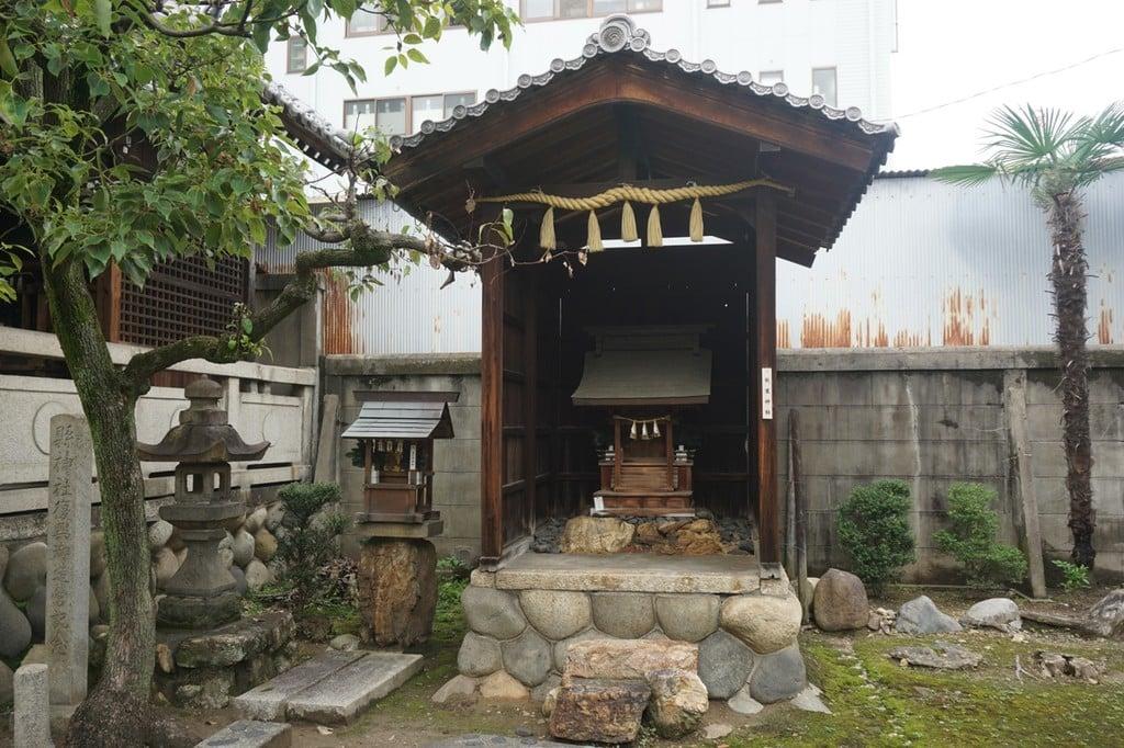 縣神社の末社
