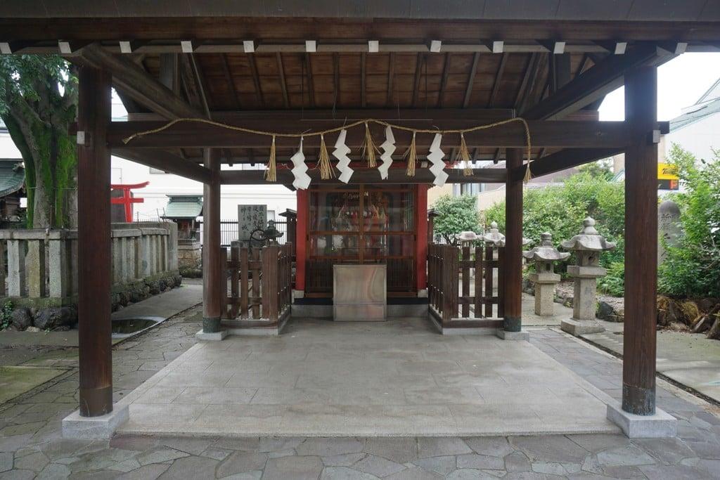 天王坊稲荷神社の本殿