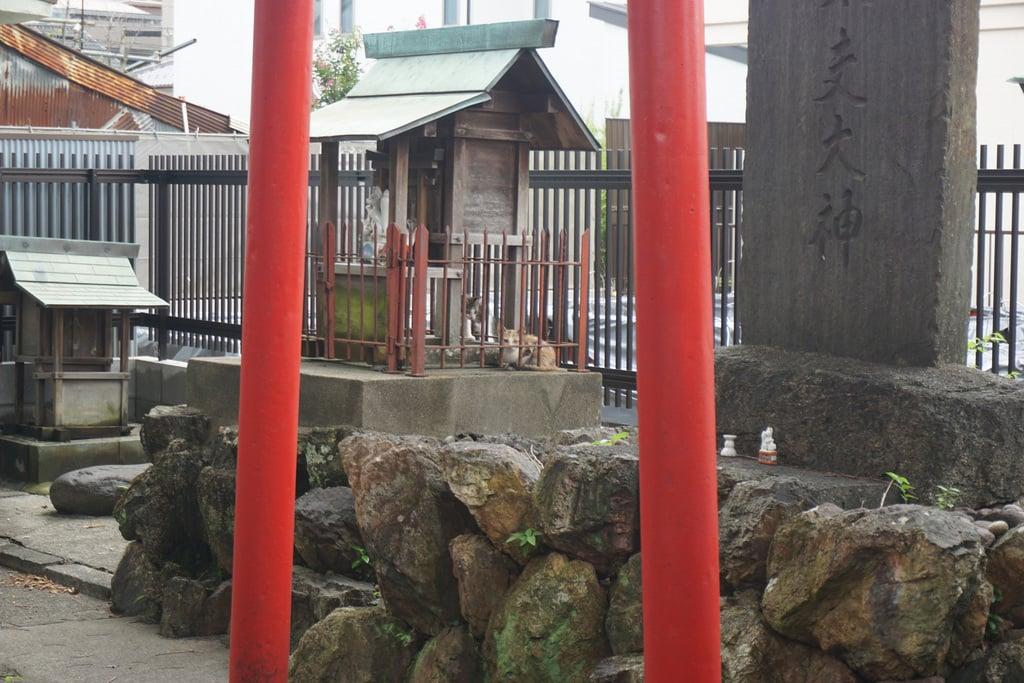 天王坊稲荷神社の末社