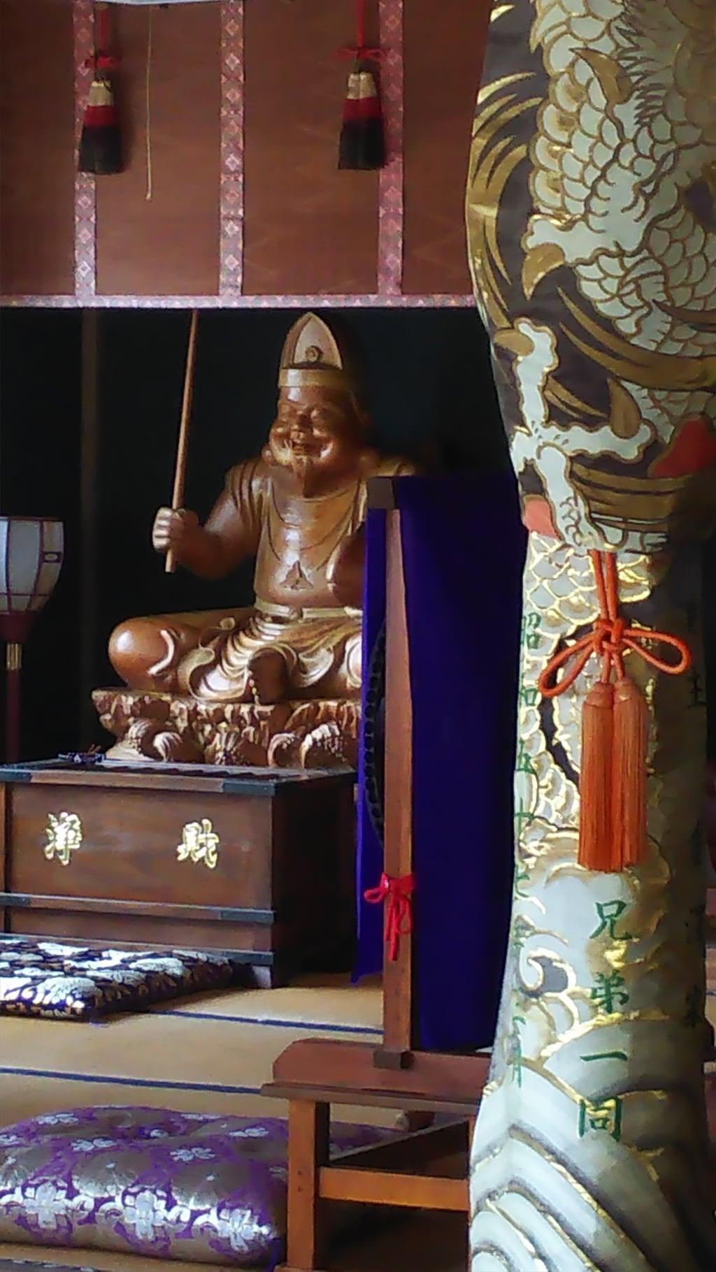 高徳寺の像