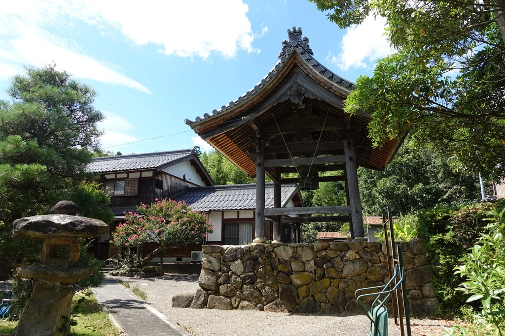 西徳寺の建物その他