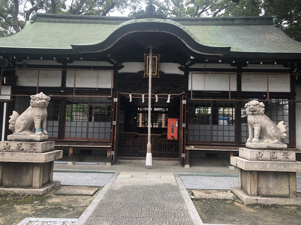 阿麻美許曽神社の本殿