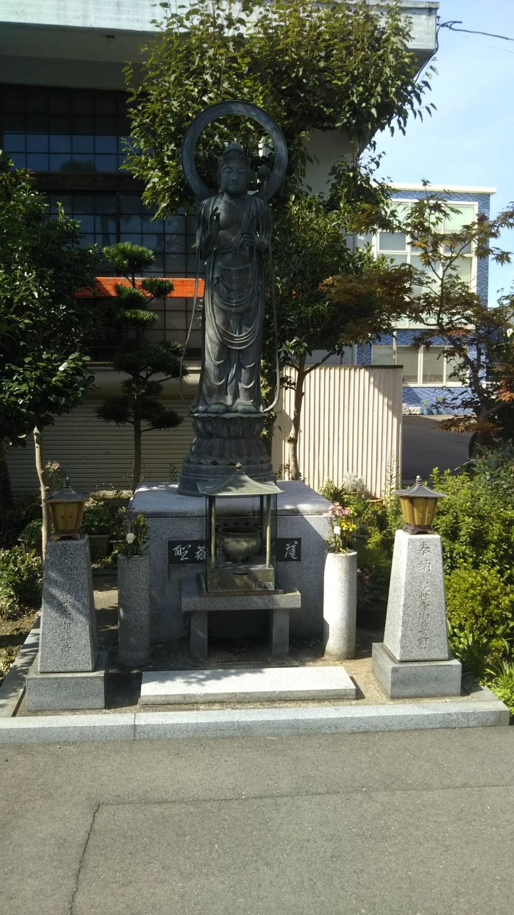西光寺の像