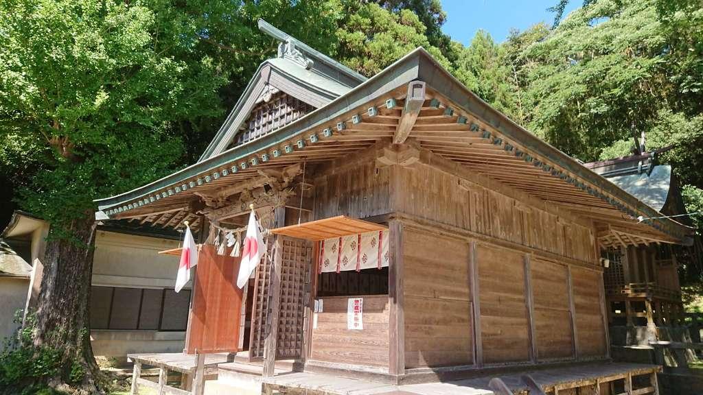 白沙八幡神社の本殿