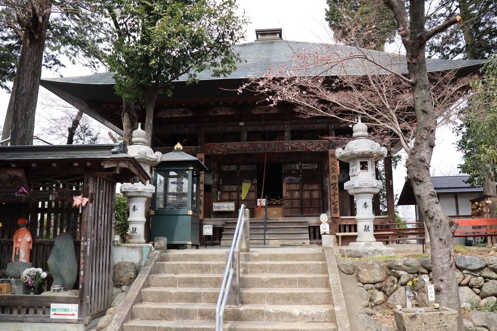 定林寺の本殿