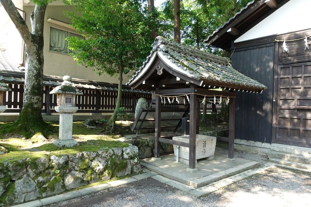 那波加神社の手水