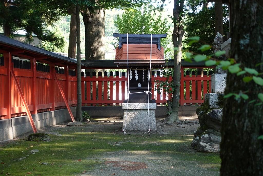 那波加神社の末社