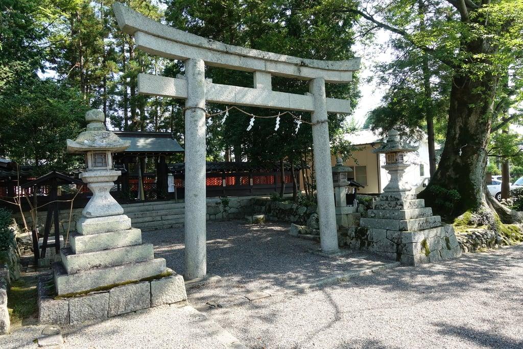 那波加神社の鳥居