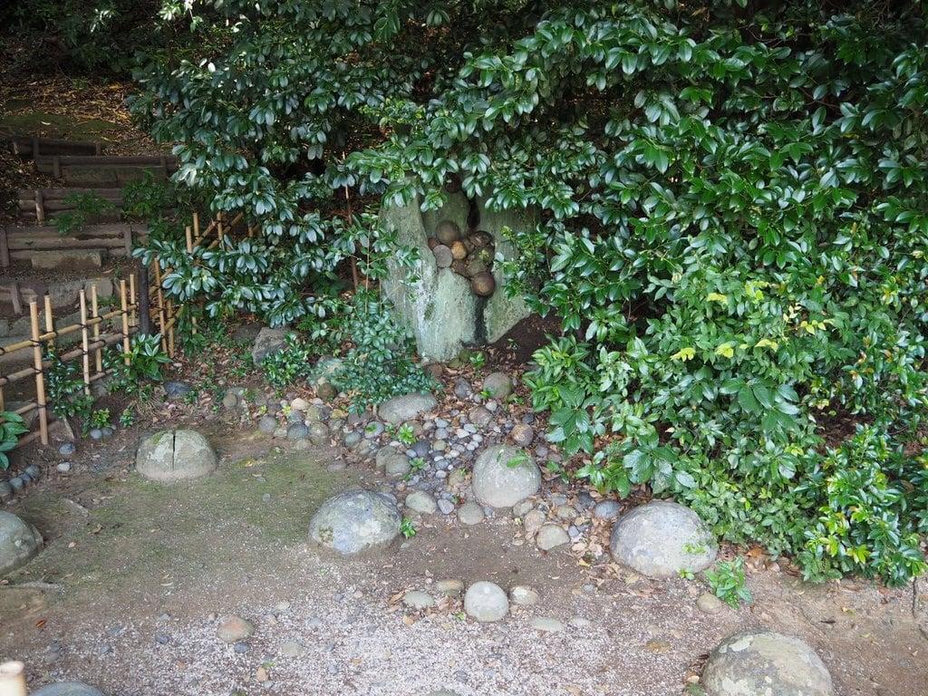 飽波神社の庭園