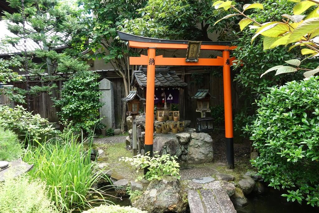 宝蔵寺の末社
