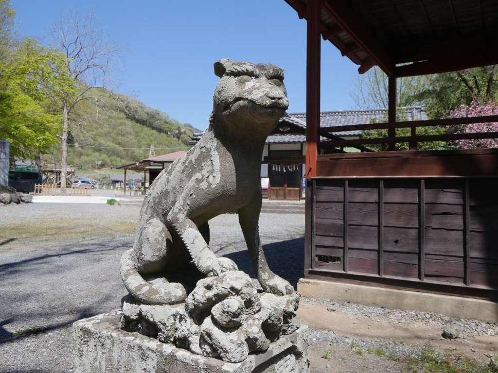 椋神社の狛犬