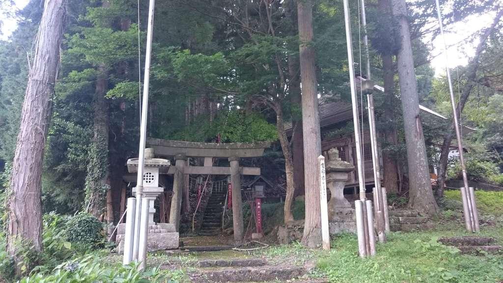 湯野上温泉神社の建物その他