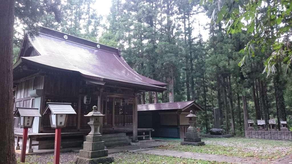 湯野上温泉神社の本殿