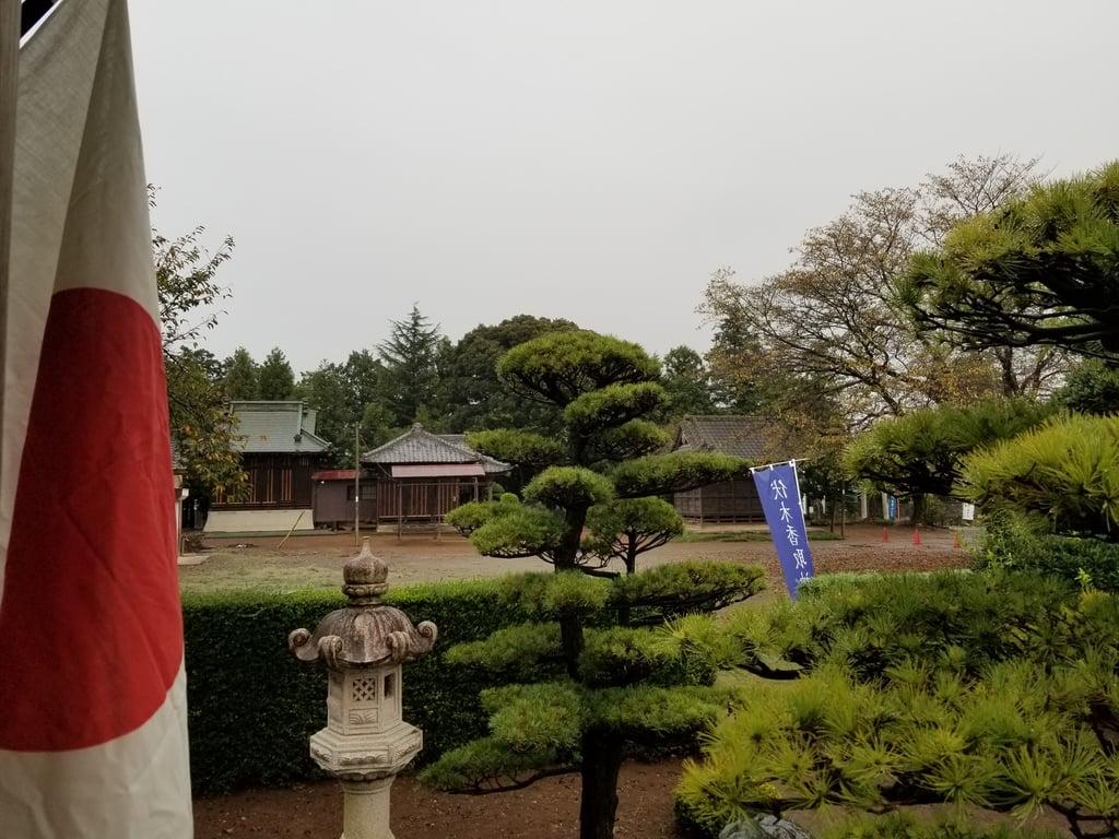 伏木香取神社の庭園