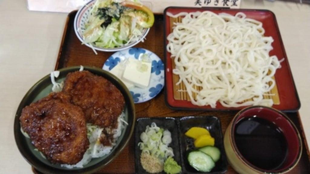 於菊稲荷神社の食事