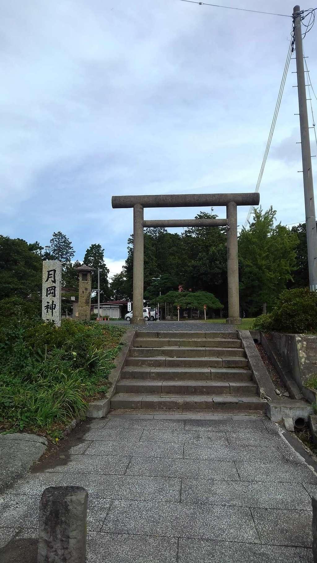 月岡神社の鳥居