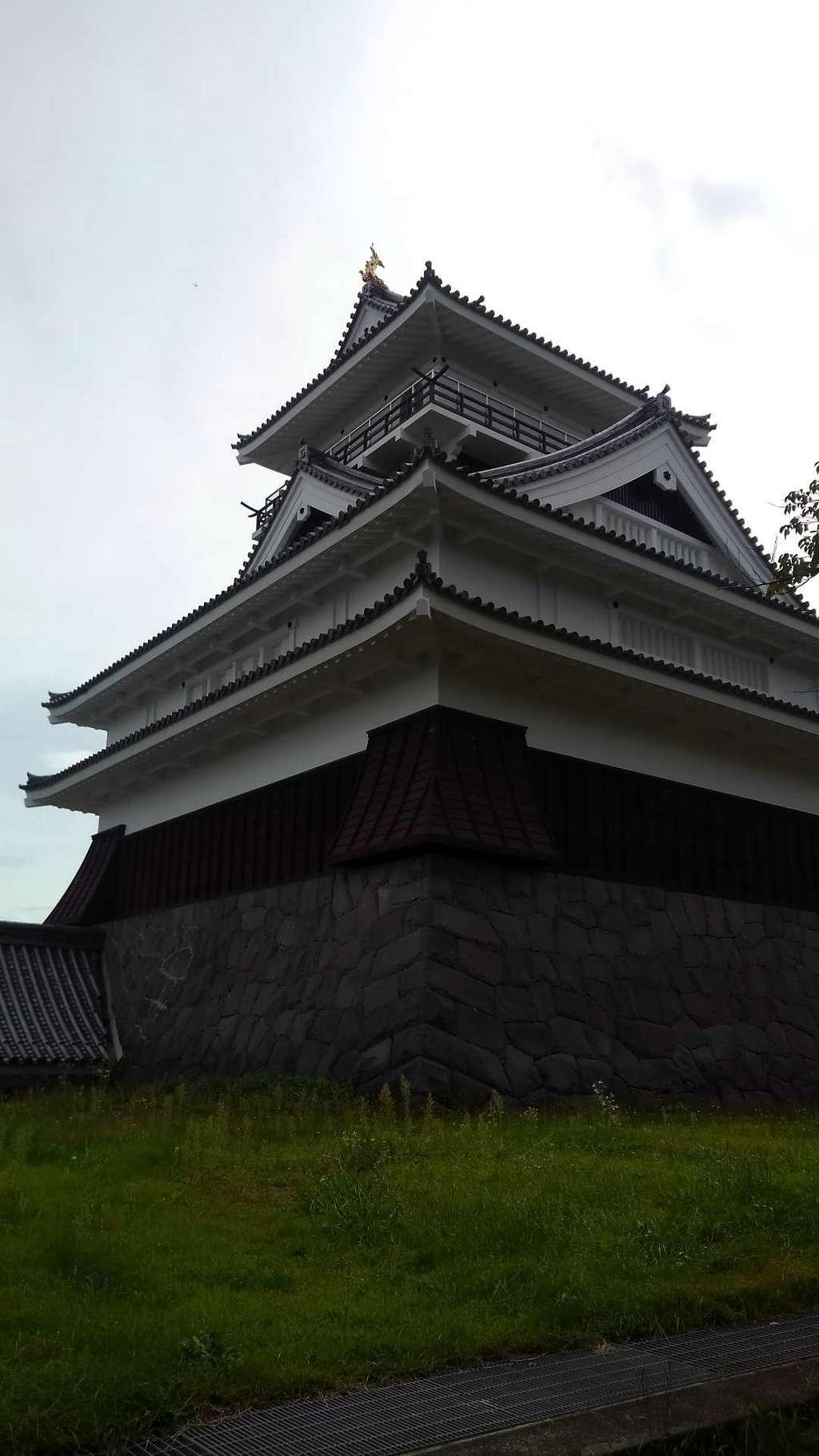 月岡神社の周辺