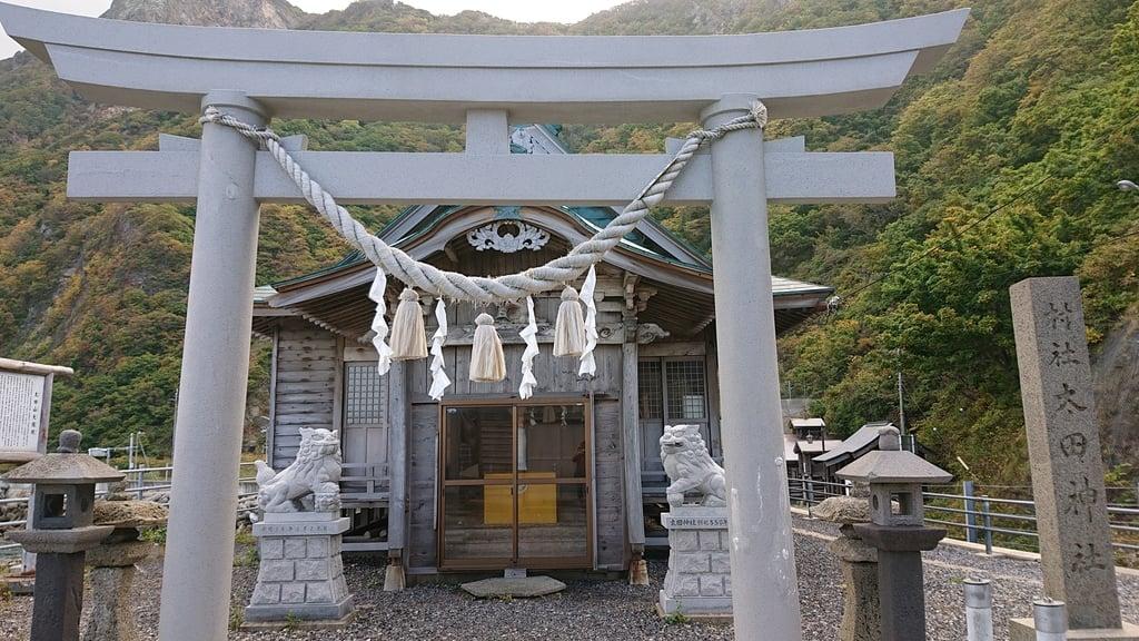 太田神社(拝殿)の鳥居
