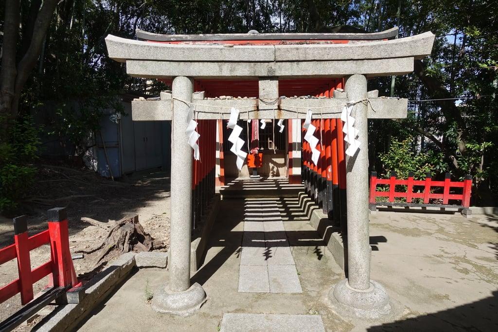 上新田天神社の末社