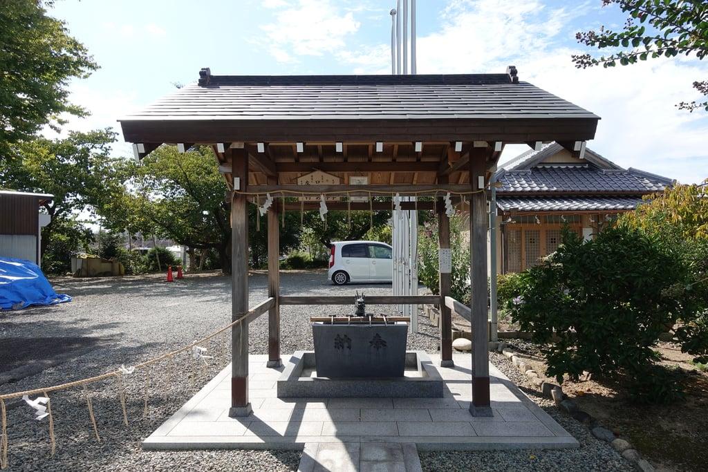 市軸稲荷神社の手水