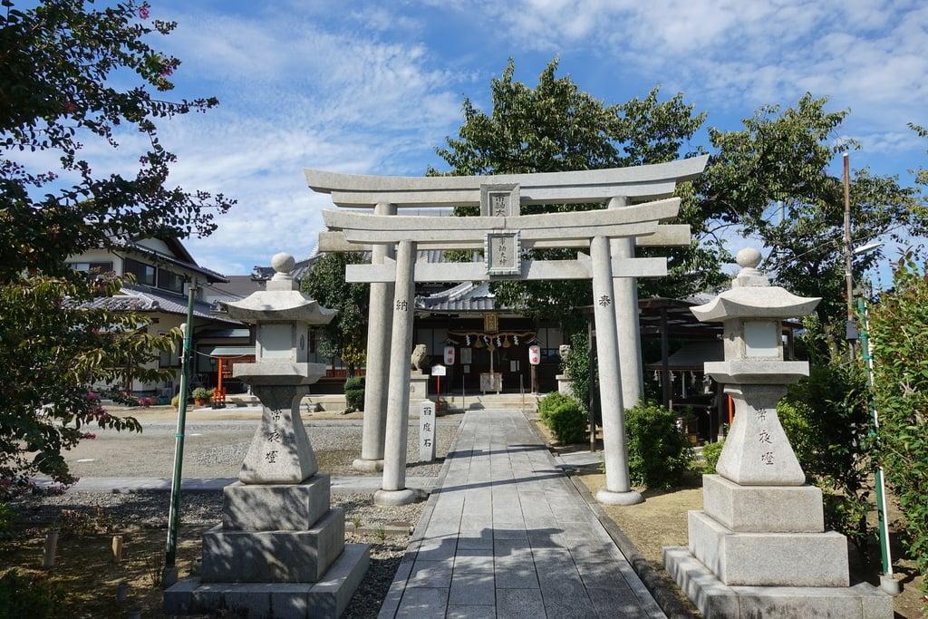 市軸稲荷神社の鳥居