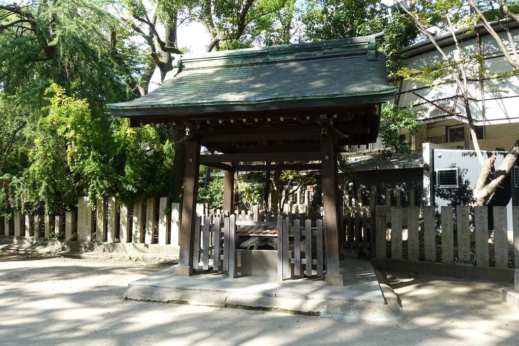 原田神社の山門