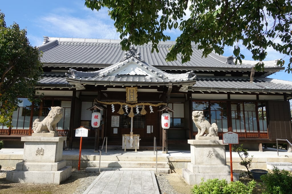 市軸稲荷神社の本殿