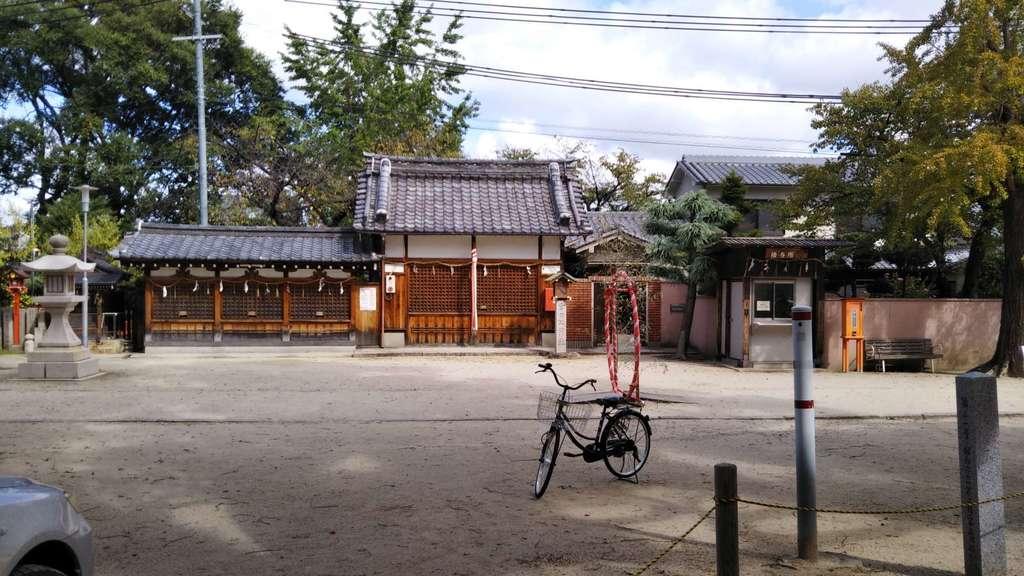 許麻神社の建物その他
