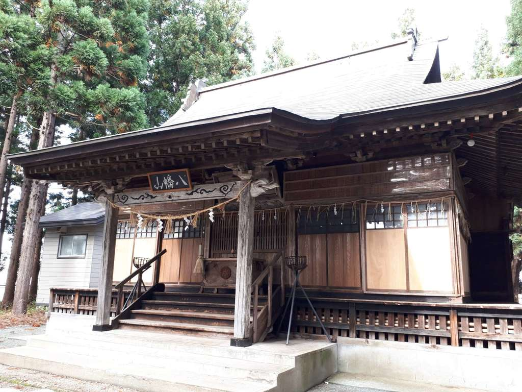 横手八幡神社の本殿