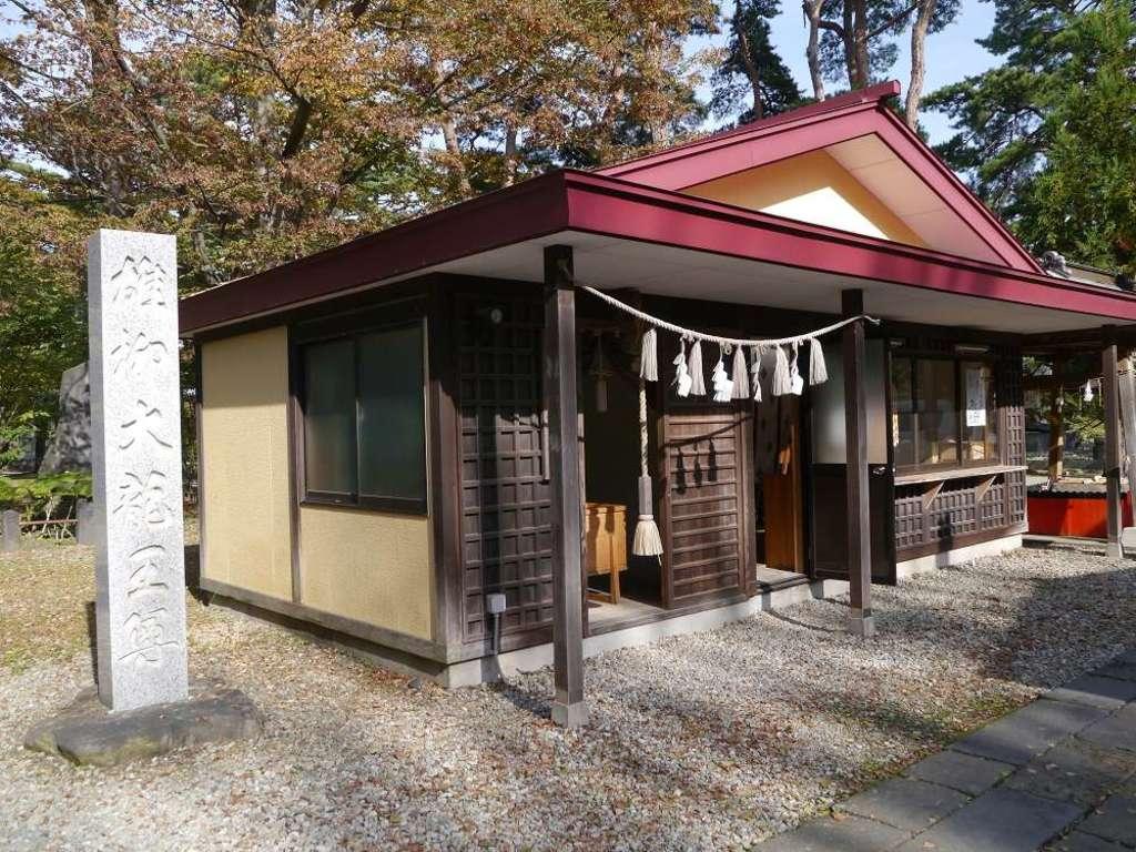 八幡秋田神社の建物その他