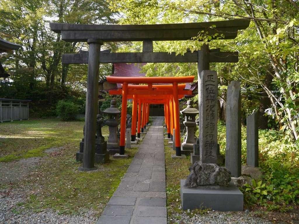 与次郎稲荷神社の鳥居