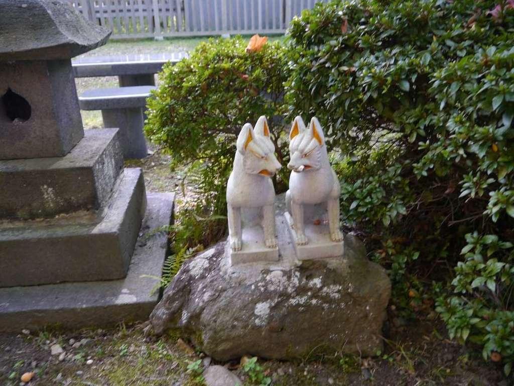 与次郎稲荷神社の狛犬