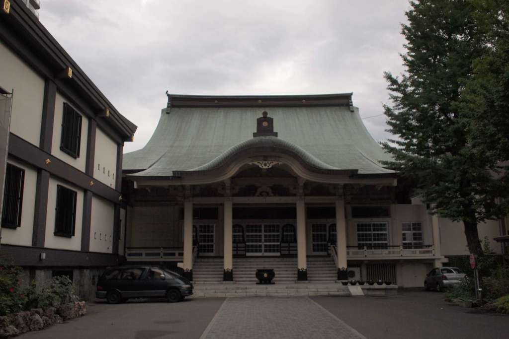 中央寺の本殿