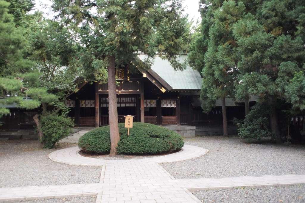琴似神社の庭園