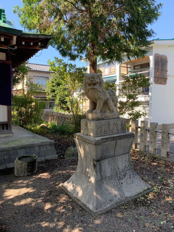 世直神社の狛犬