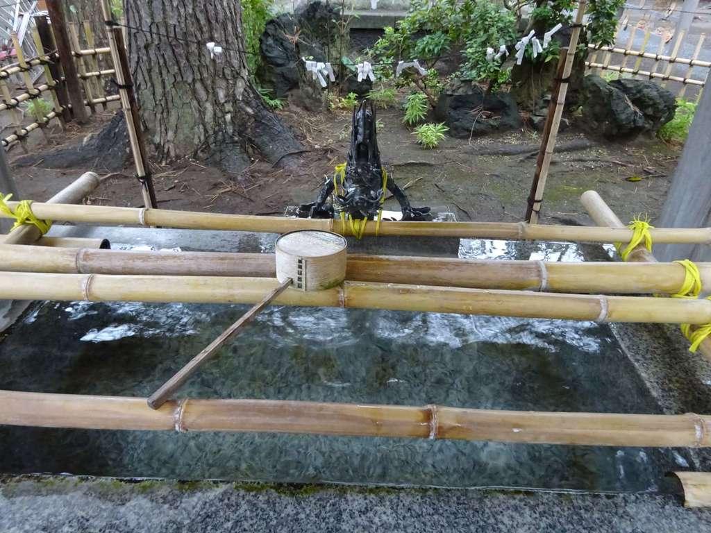 平塚三嶋神社の手水