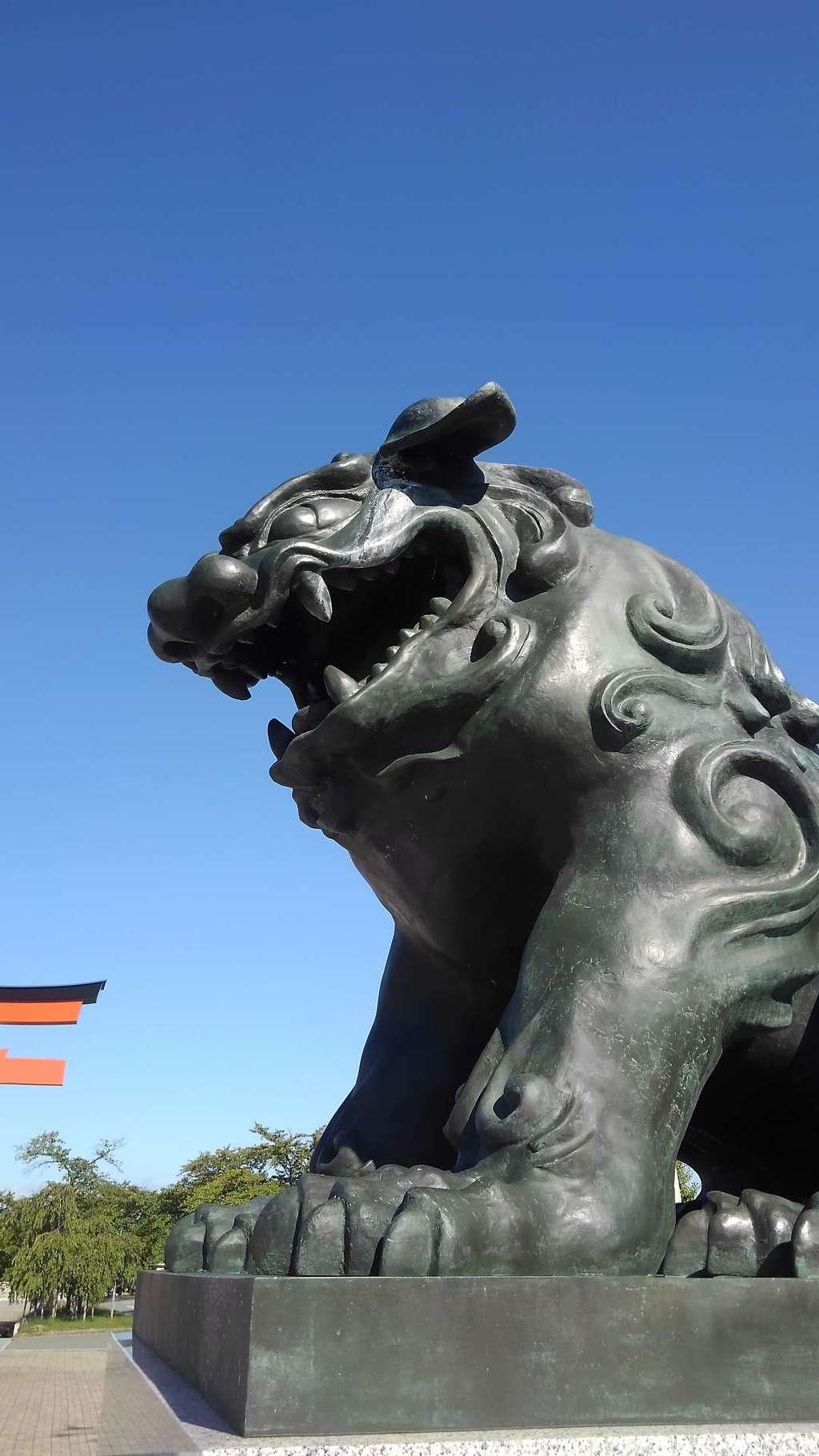 山形縣護國神社の狛犬