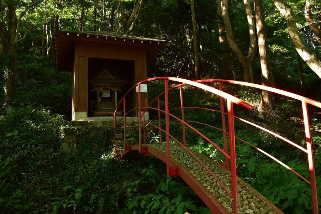 普門寺(切り絵 御朱印の寺)の末社