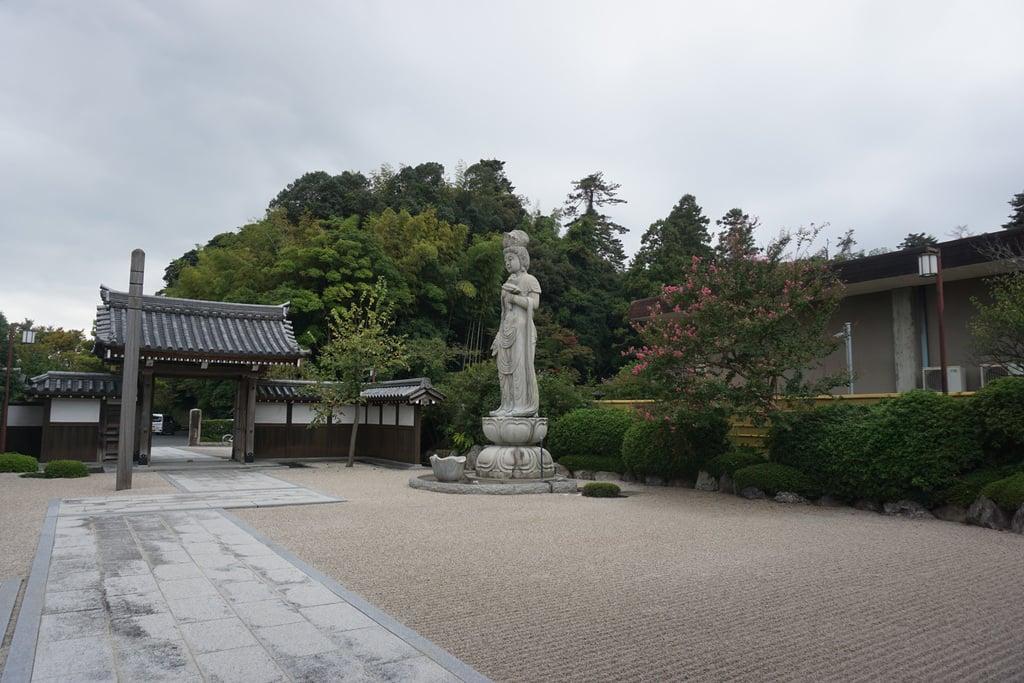 東林寺の仏像