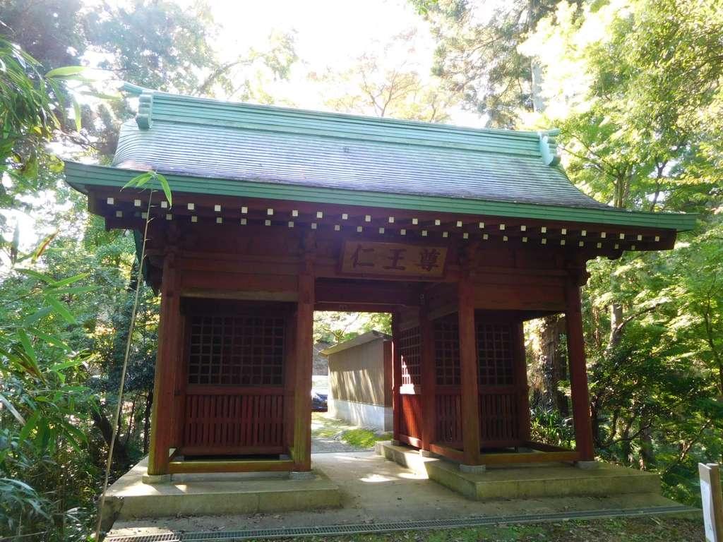 笠森寺の山門
