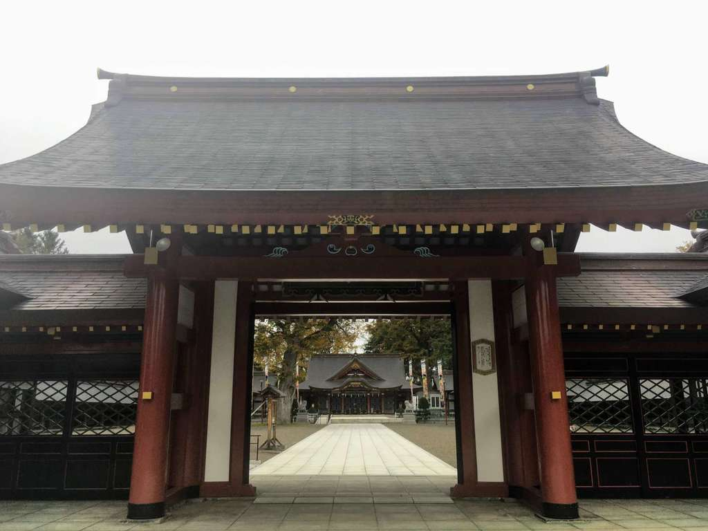 北海道護国神社の山門