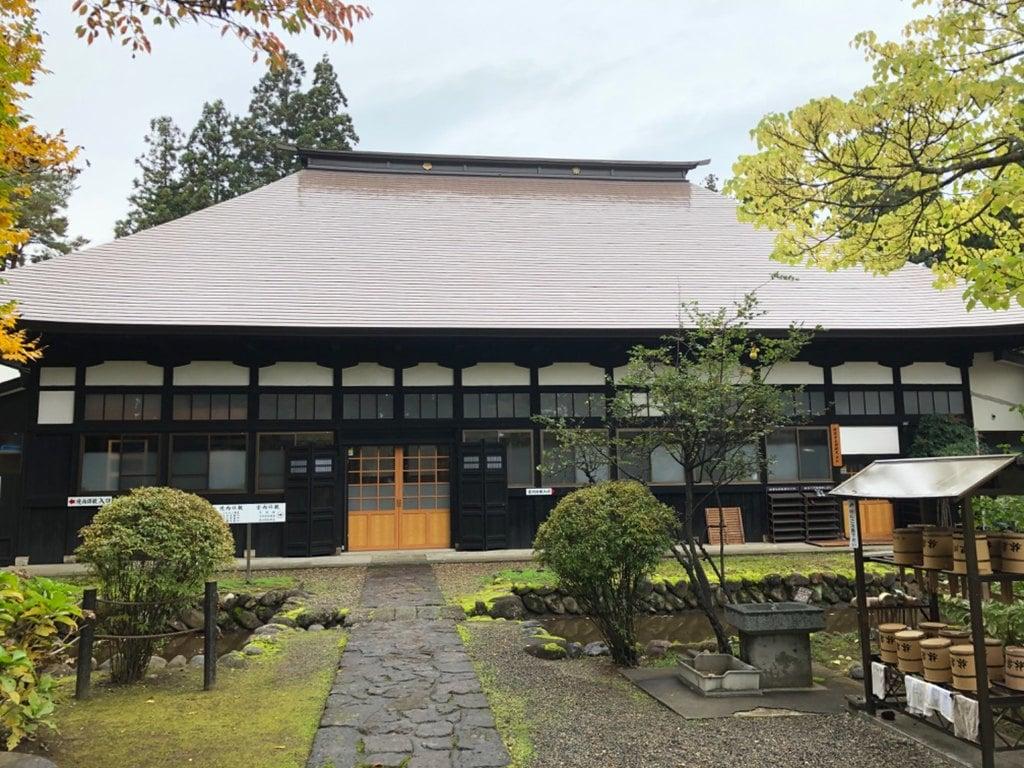 林泉寺の本殿
